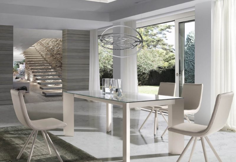 Mesa-y-sillas-de-saón-modelo-Futura